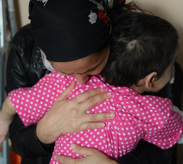 شکنجه های بی رحمانه عمه باعث قطع دست برادرزاده اش، عایشه شد